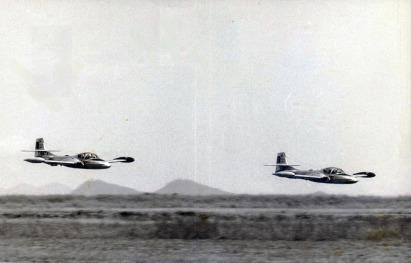 T-37C-0872-e-73-vôo-de-grupo-foto-arquivo-Camazano